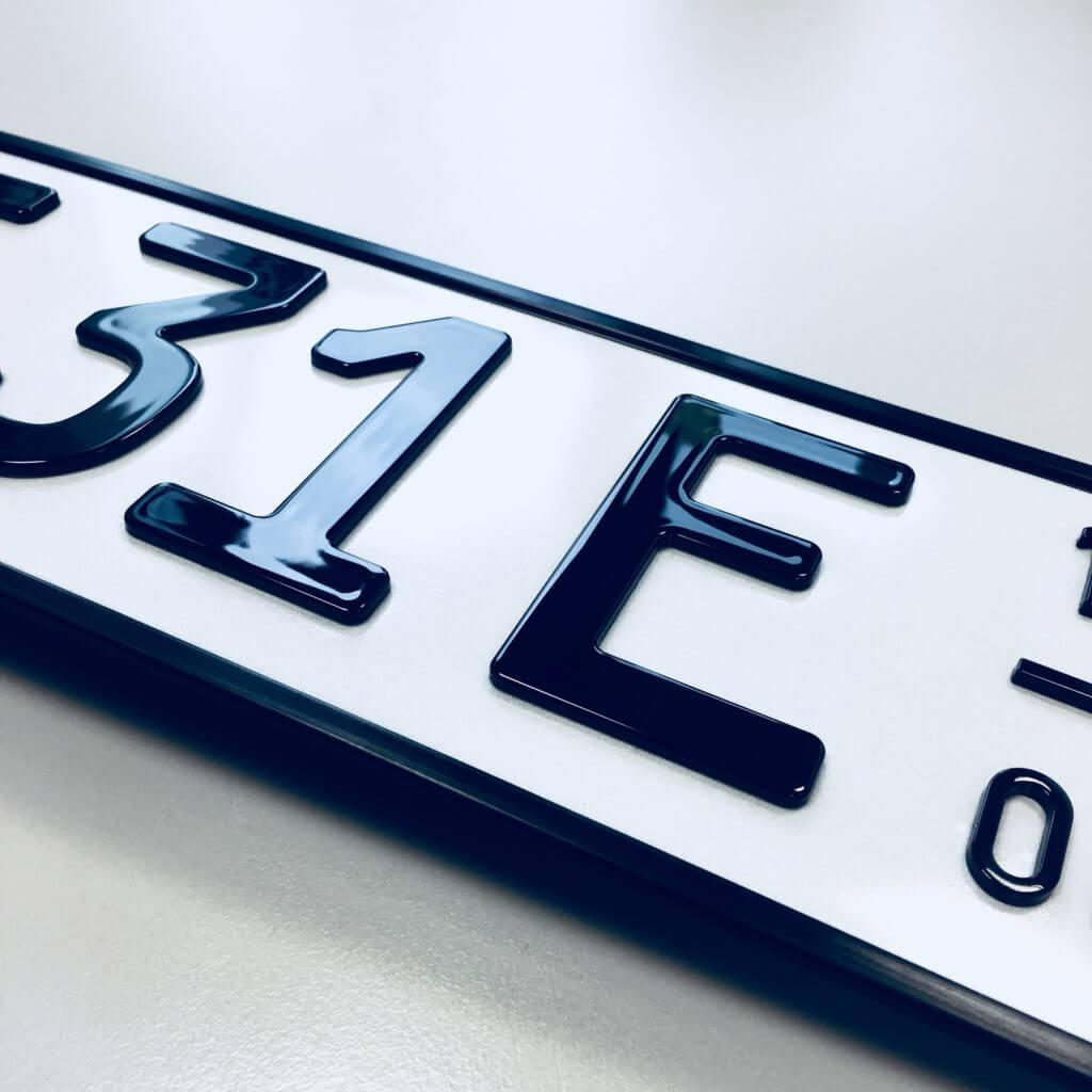3D E-Kennzeichen mit Saison Hochglanz Kurz